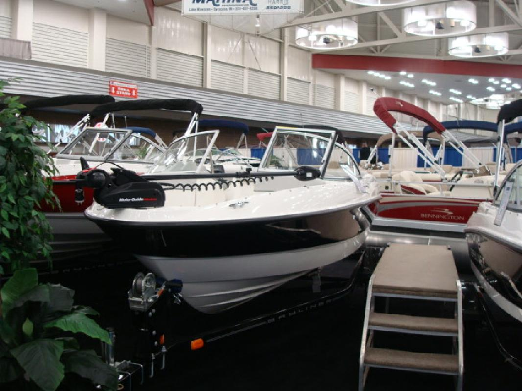 2011 18' Bayliner Ski N Fish 184
