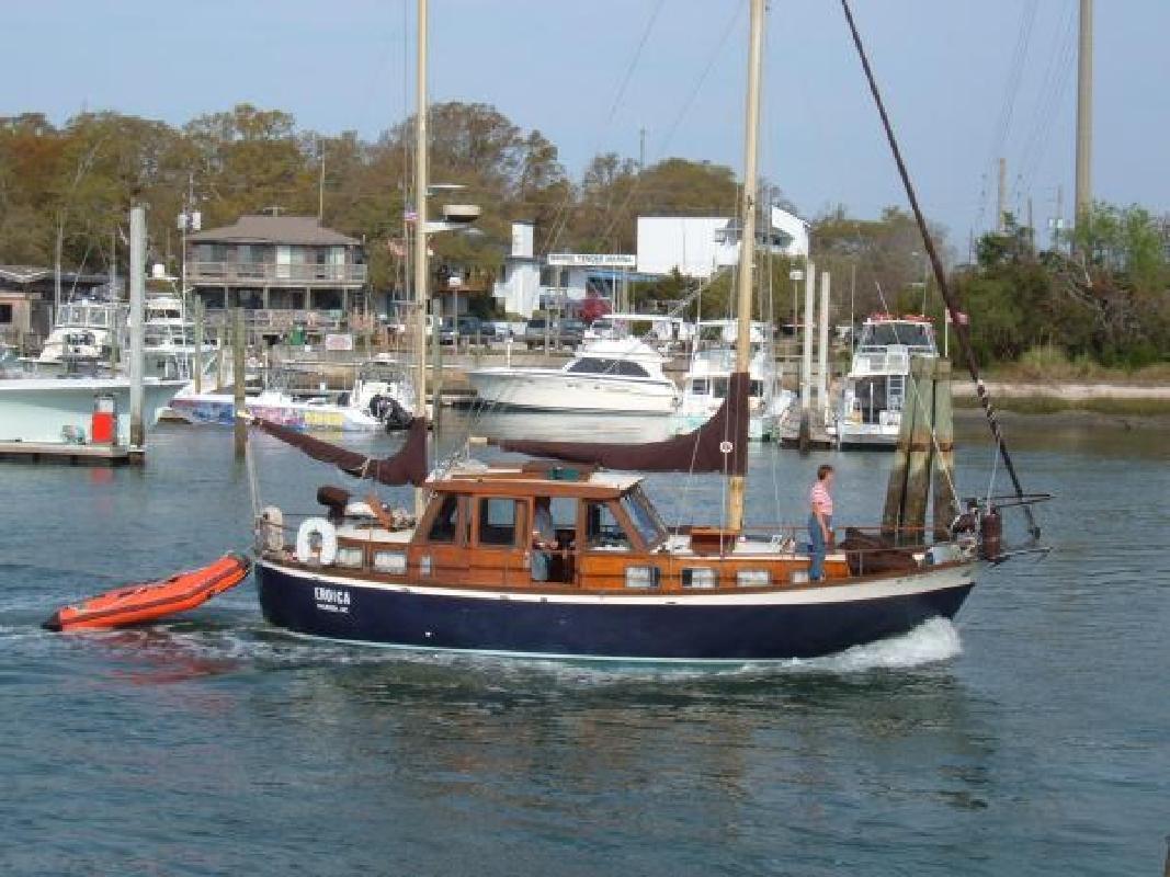 1973 33' Nauticat 33