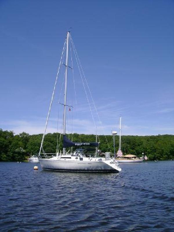 1986 Beneteau First 325 Greenport NY in Westbrook, CT