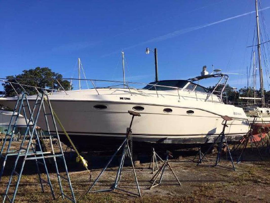1989 Cruisers Yachts 3670 Esprit Perrysburg OH in New Port Richey, FL