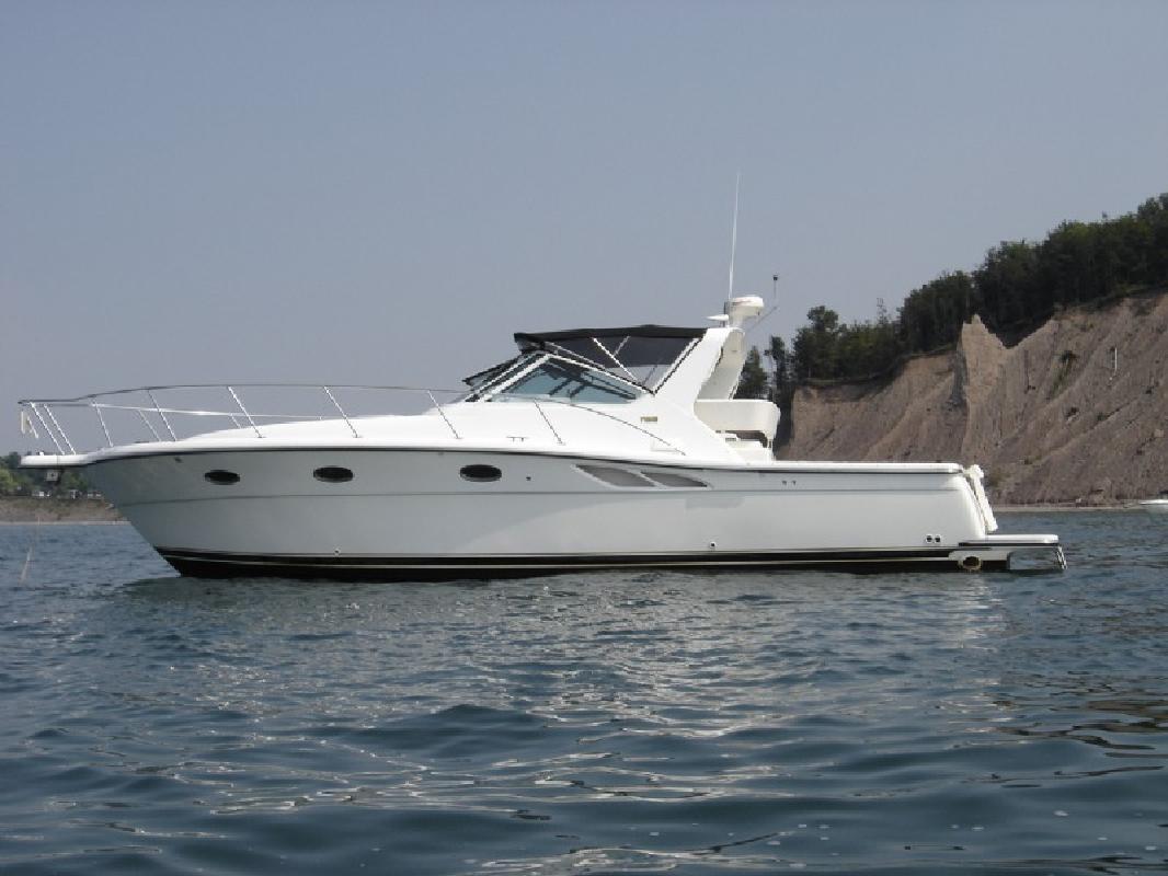 2001 35' Tiara Yachts 3500 Open - FRESH WATER (JSS)