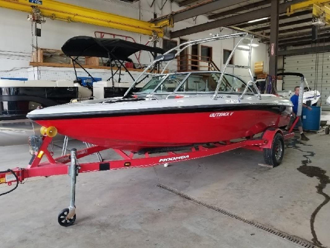 2008 Moomba by Skiers Choice OUTBACK V Round Lake IL