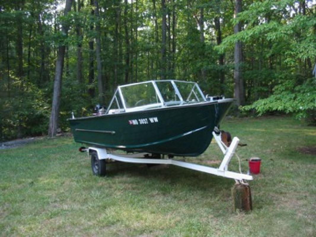 1969 16-Foot StarCraft Aluminum Outboard Motorboat (Trailer included)