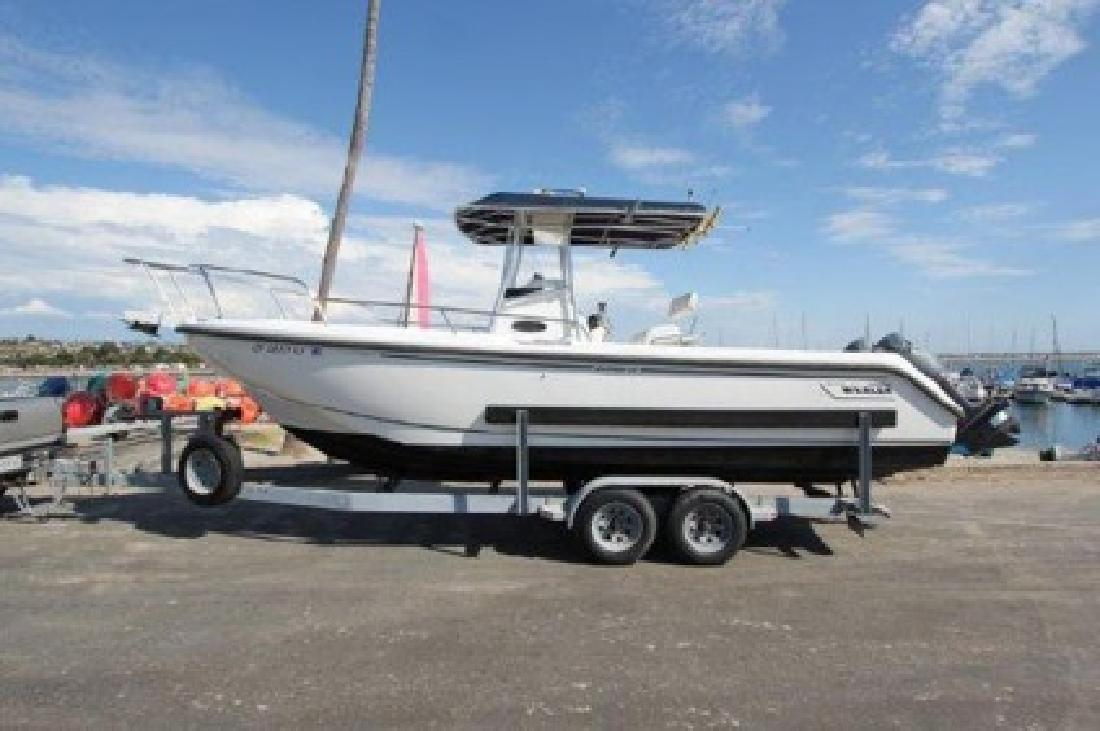 $29,000 OBO 26' Boston Whaler 260 Outrage with trailer For