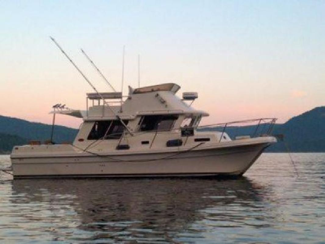 159 000 2002 32 foot sea sport pacific pacific 3200 for Fishing boats seattle