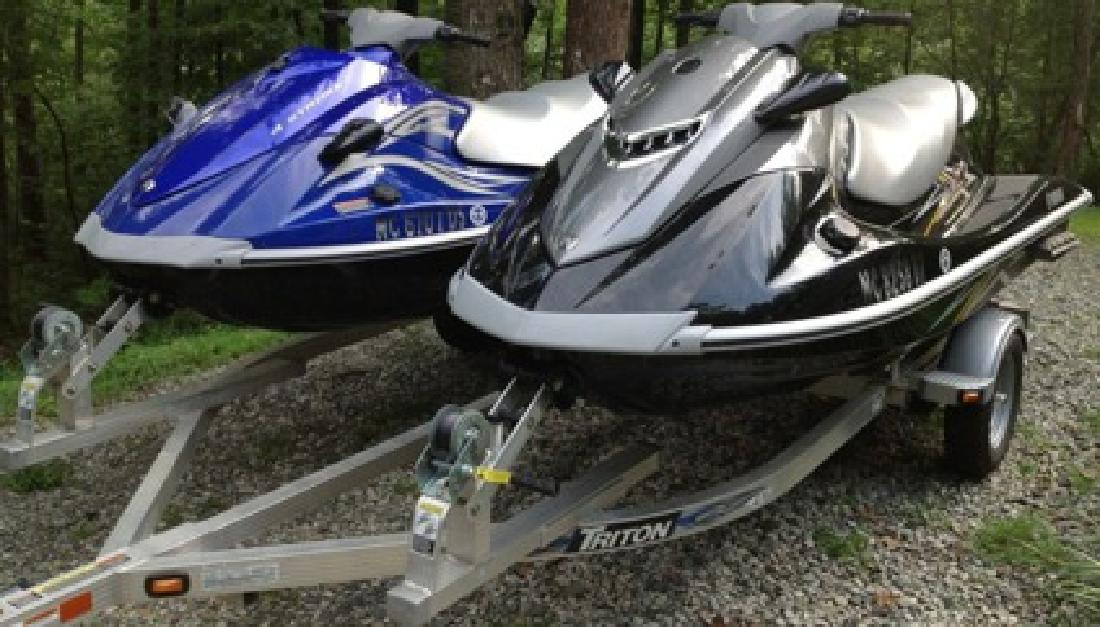 $3,000 2011 Yamaha VXS VX1100 pair with double trailer