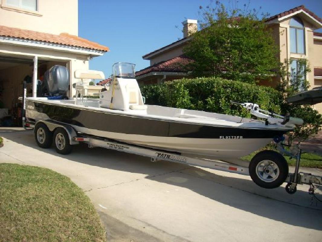 2010 24' Pathfinder 2400t