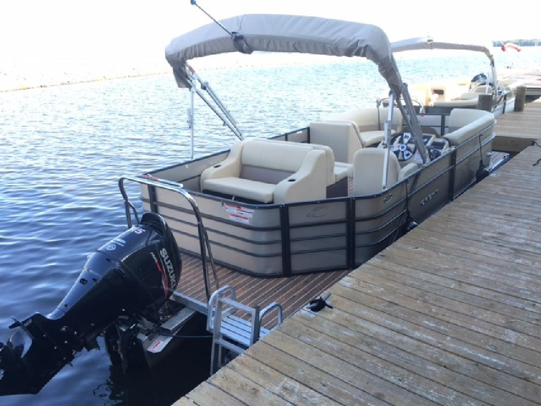 2016 - Crest I 220 SLRD Pontoon Boats in Ridgeland, MS