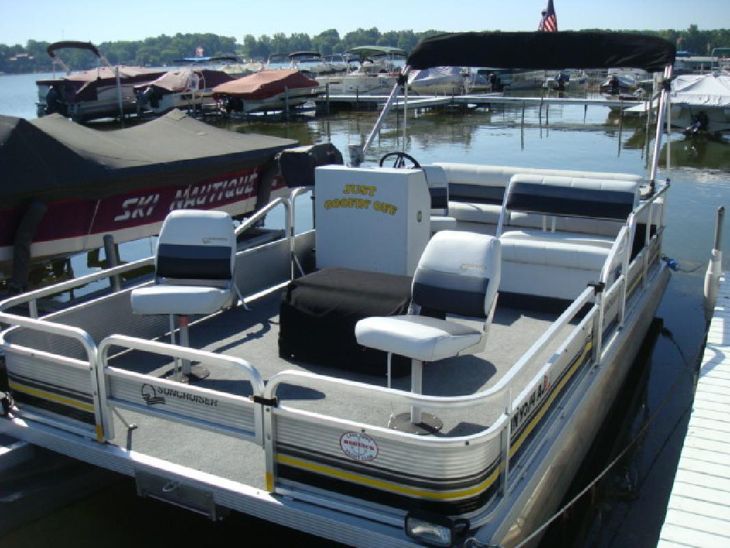 1990 20' Suncruiser pontoon sunfisher