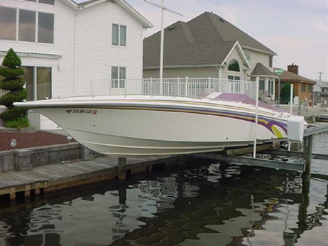 1995 42' Fountain Powerboats Inc. Lightning