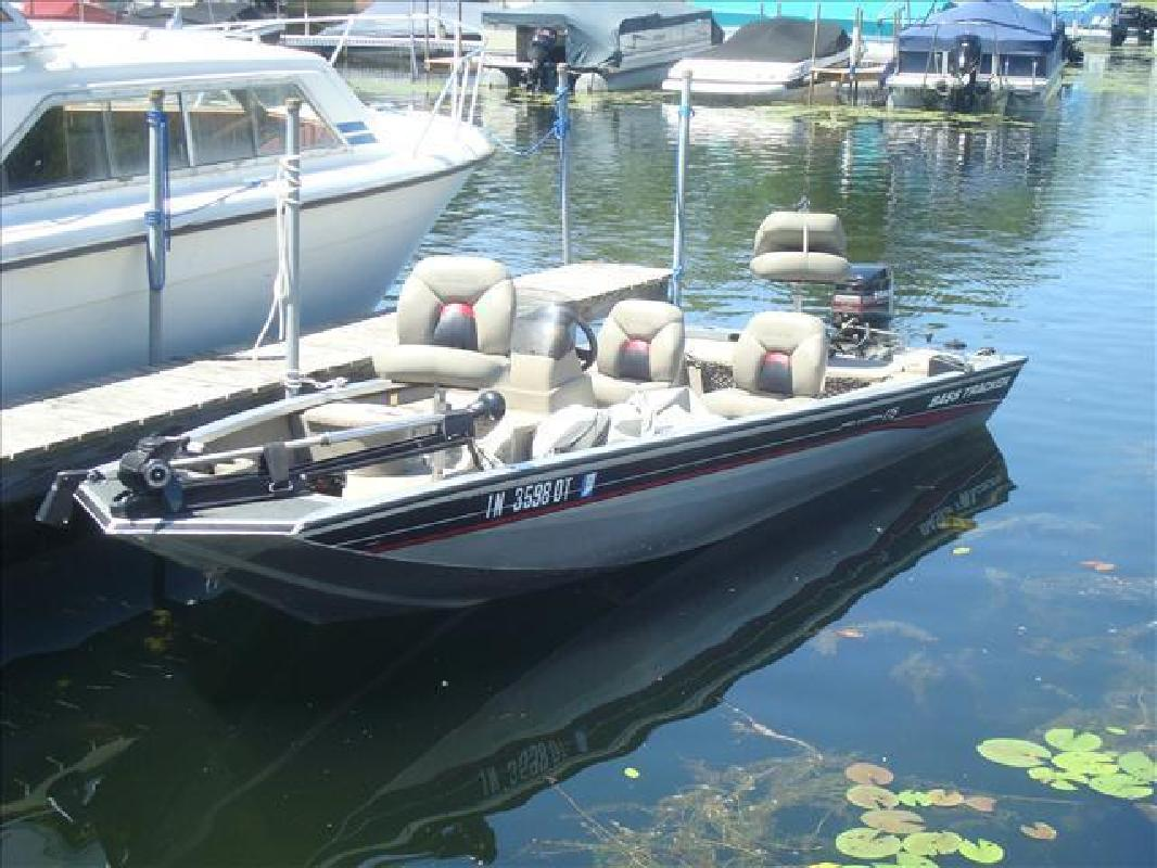 2002 Tracker by Tracker Marine Bass Pro Crappie 175 Syracuse IN