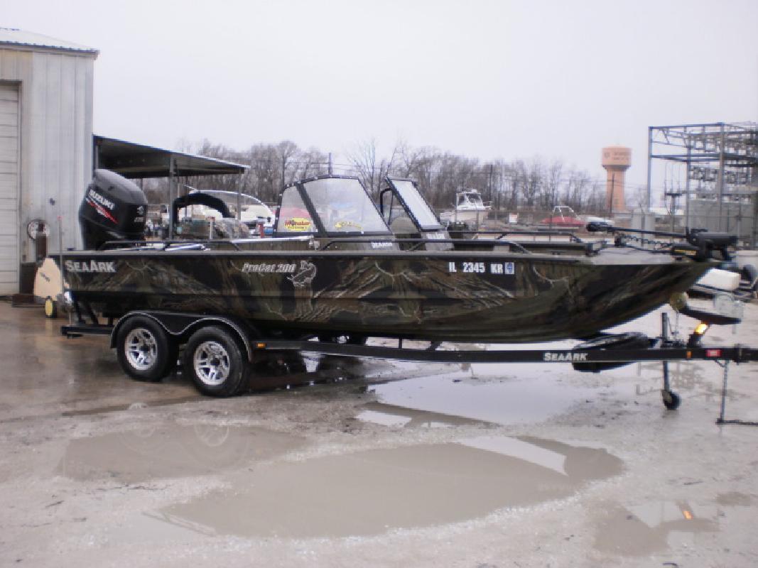 2013 - Seaark Boats - ProCat 200 in Beardstown, IL