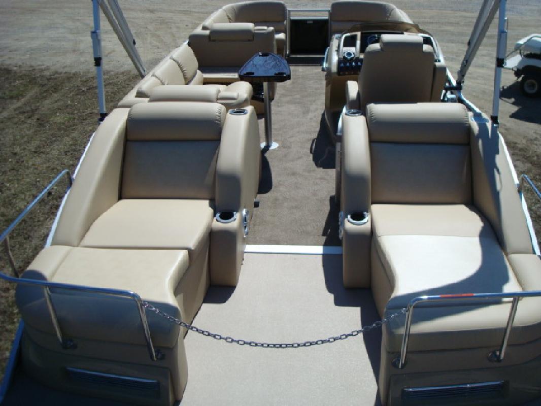 2011 27' Bennington Marine LLC Q Series 2575 QCW O/B
