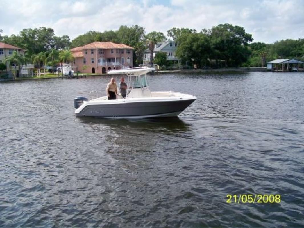 2007 22' Robalo R220 CC in Tampa, Florida
