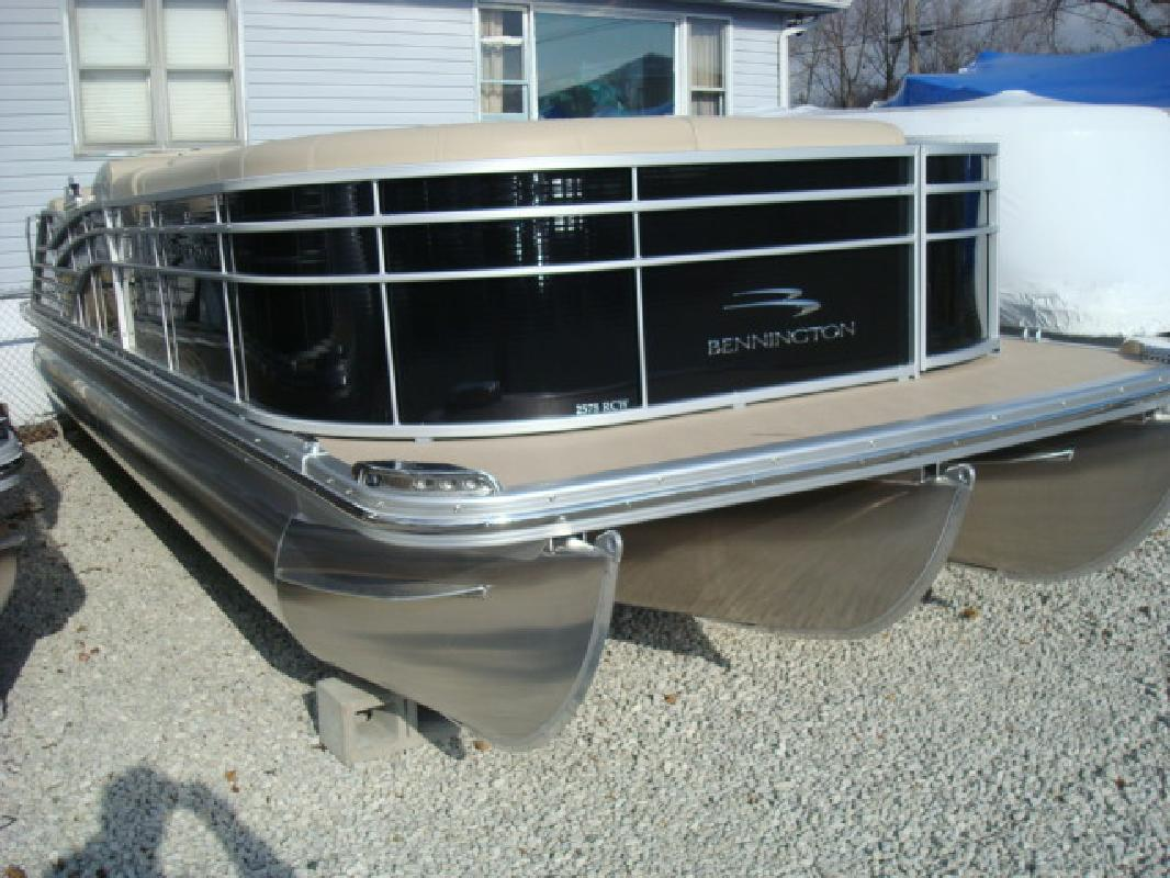 2012 27' Bennington Marine LLC R Series 2575 RCWCP