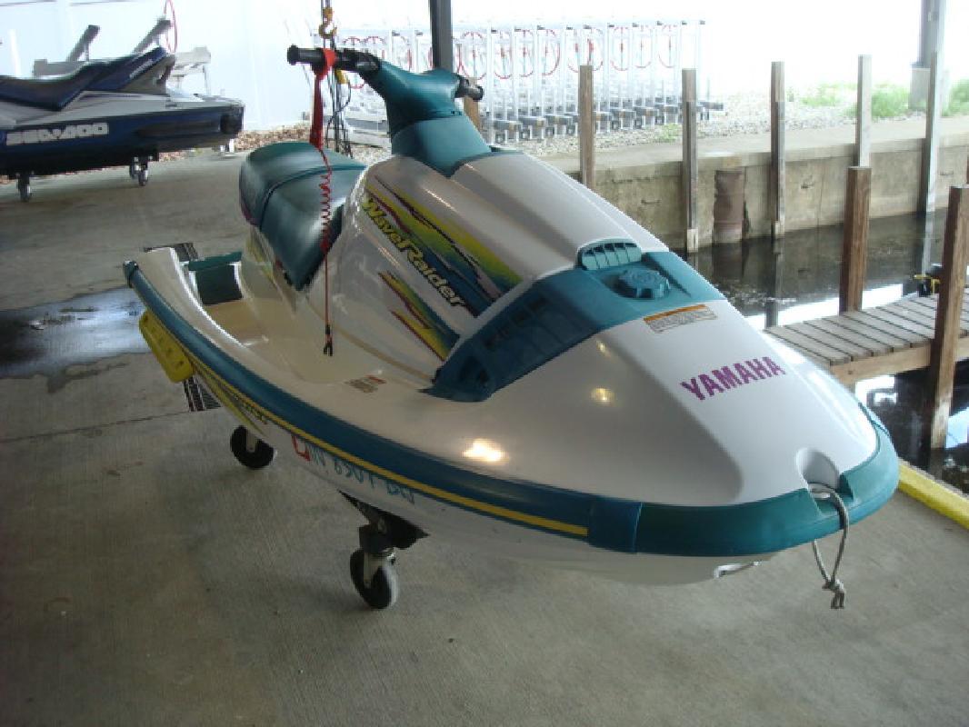 1997 11' Yamaha Wave raider Wave raider 700