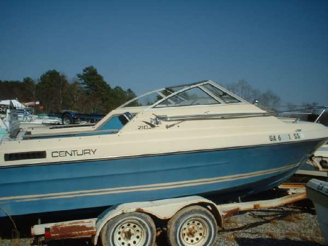 1977 21' Century Boats Raven 210 Cuddy Cabin in Dawsonville, Georgia