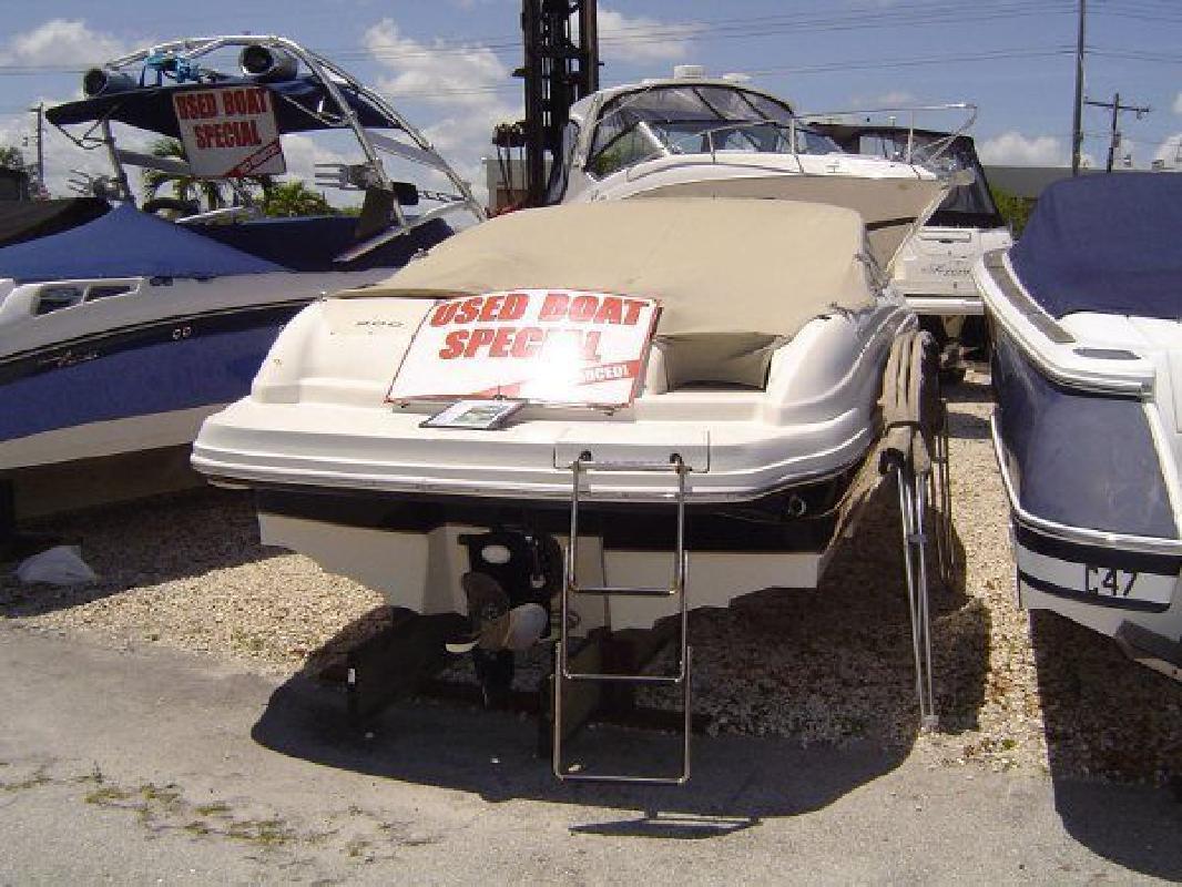 2003 21' Sea Ray 200 Sundeck