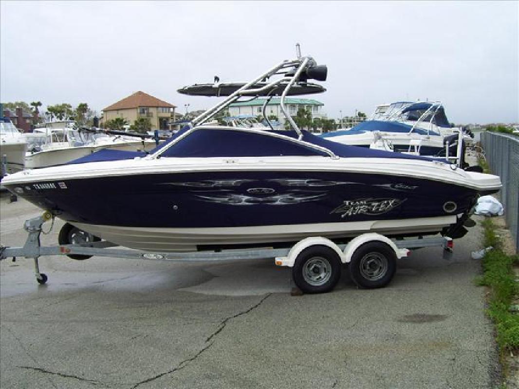 2006 22' Sea Ray 220 SELECT in Seabrook, Texas