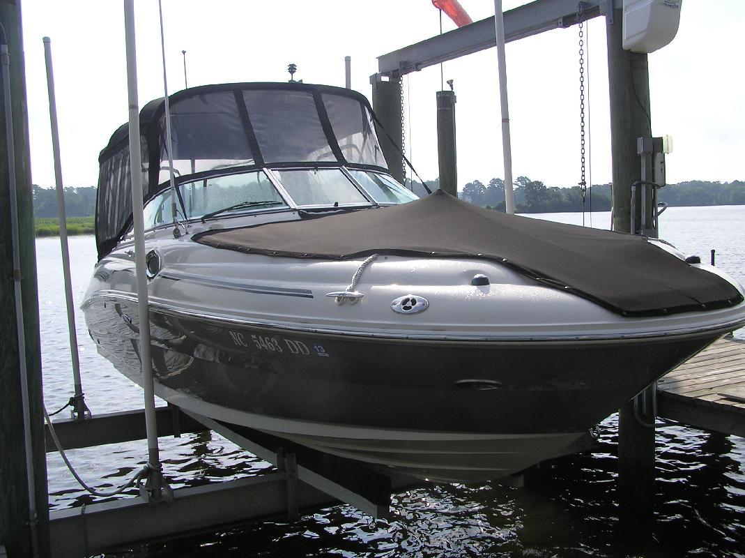 2006 26' Sea Ray 240 Sundeck