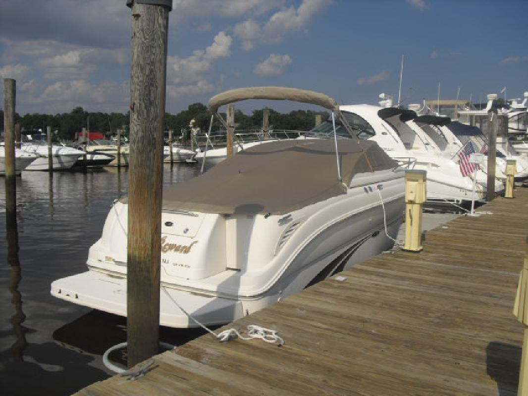 2001 24' Sea Ray 245 WEEKENDER in Brick, New Jersey
