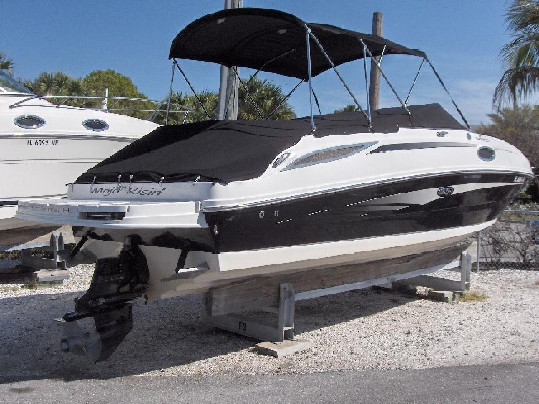 2011 26' Sea Ray 260 SUNDECK for sale in Sarasota, Florida