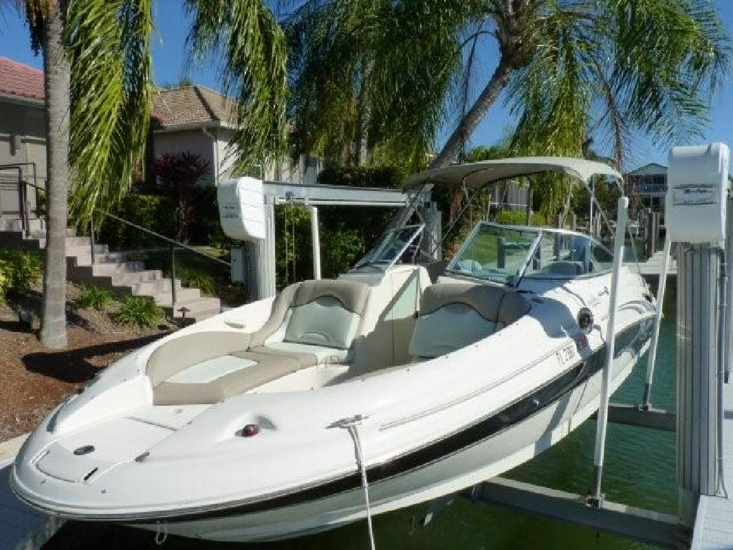 2003 27' Sea Ray 270 Sundeck for sale in Naples, Florida