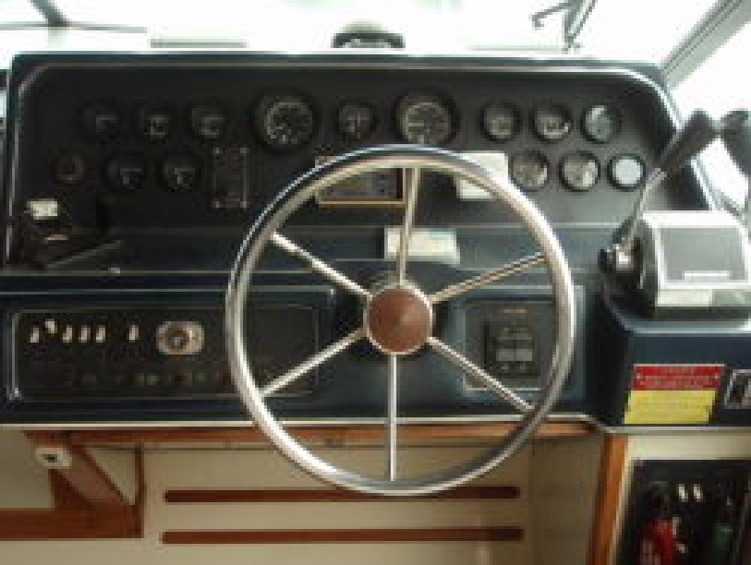 1986 30' Sea Ray 30 Sundancer