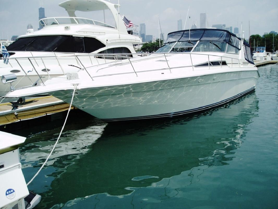 1990 42' Sea Ray 420 Sundancer in Chicago, Illinois
