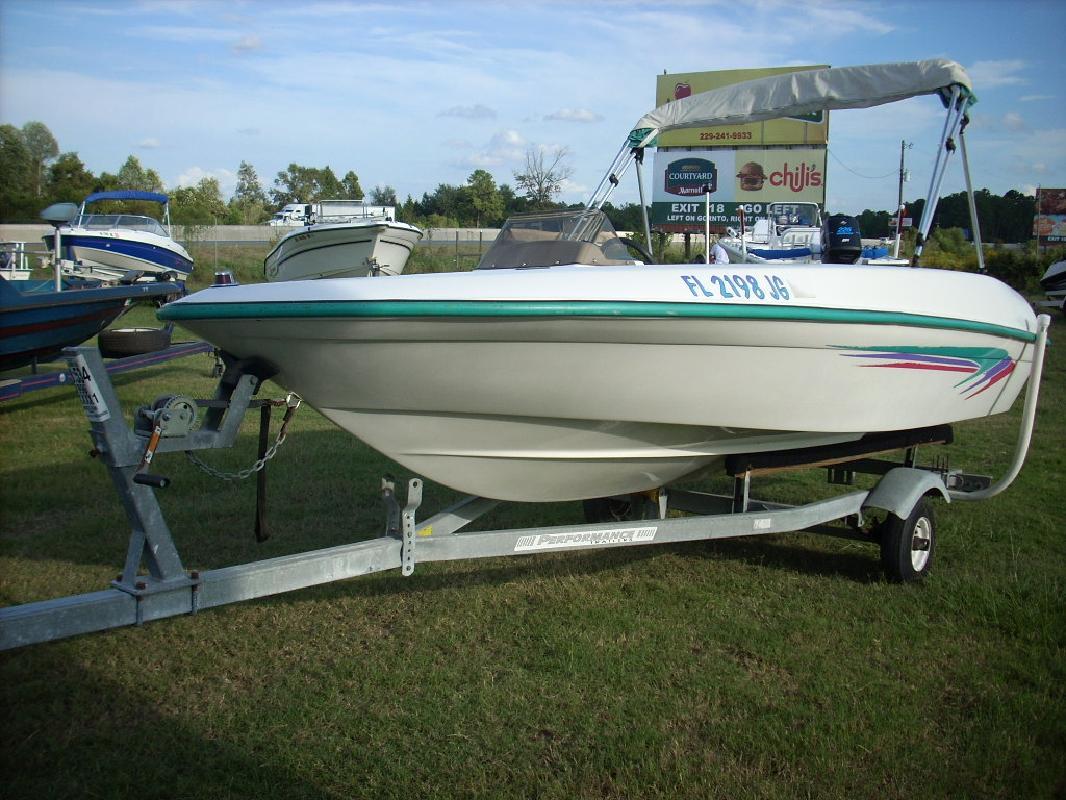 1996 16' Sea Ray f-16