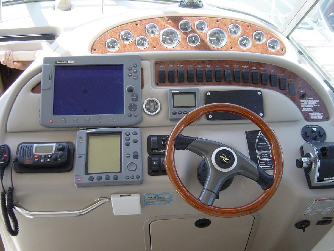 2000 31' Sea Ray Sundancer