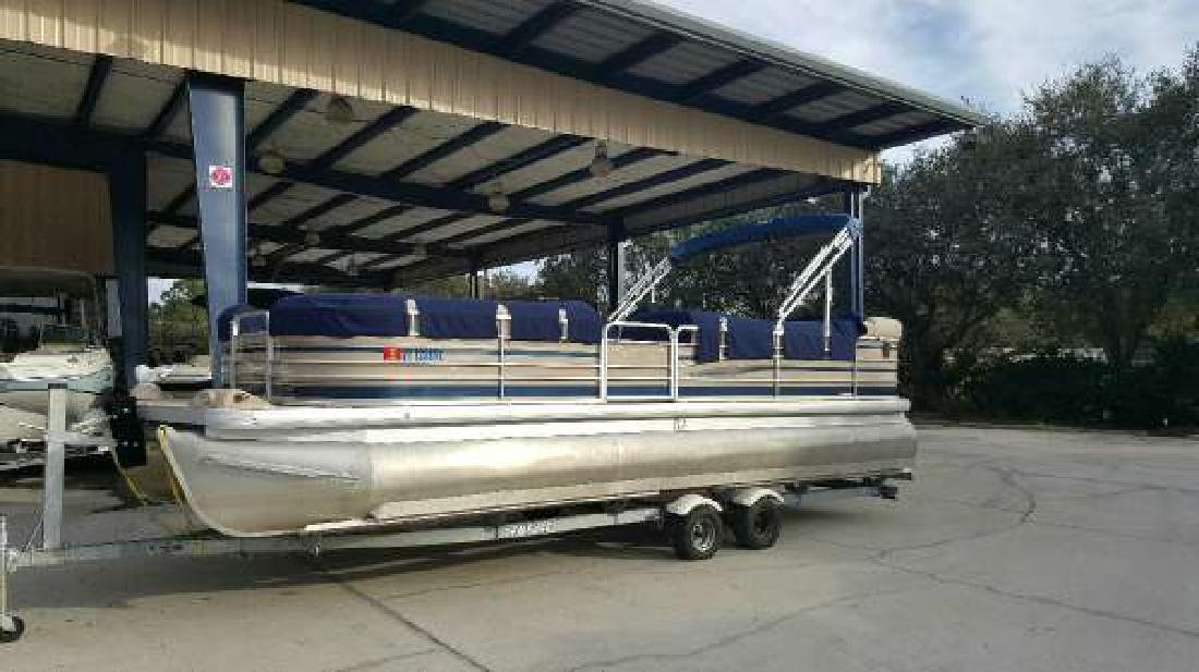 2004 SANPAN SP 2500 RE Longwood FL
