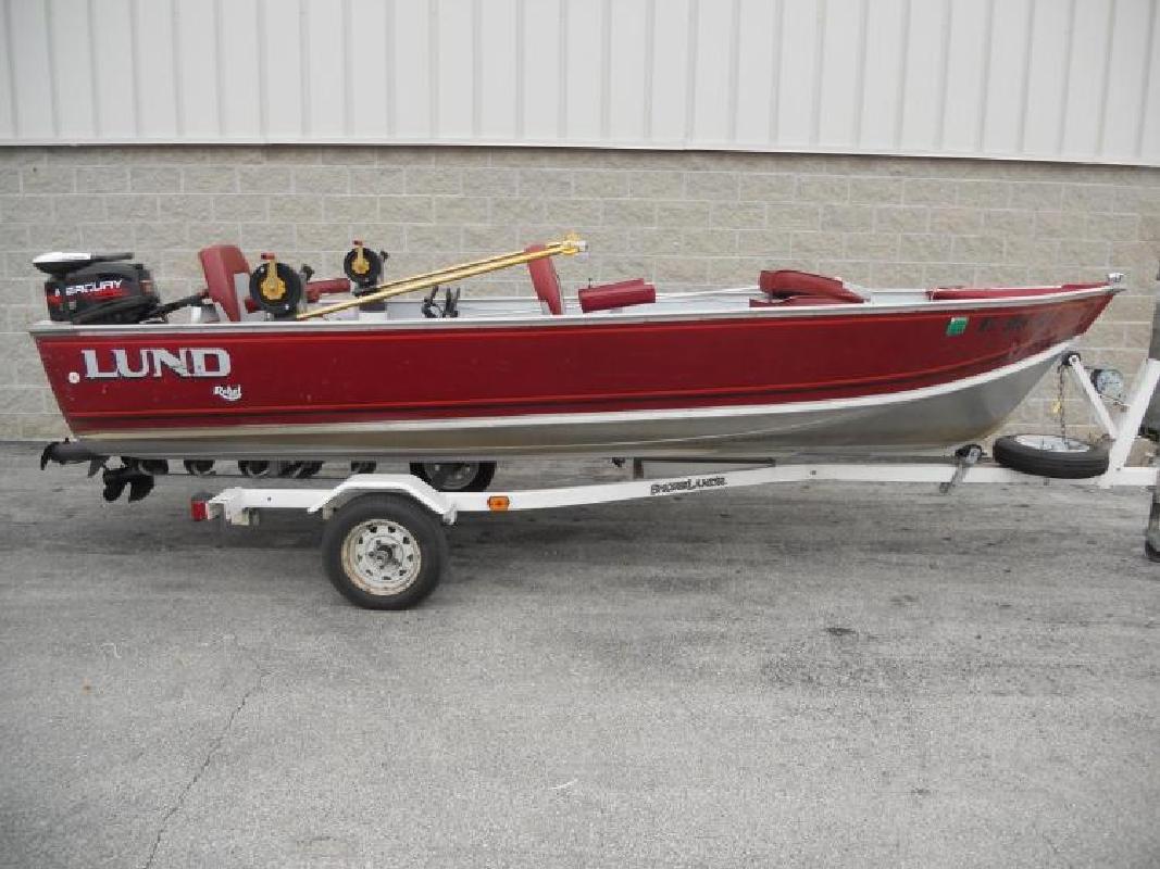 1990 Lund Boats 16 Pike Rebel Special De Pere WI