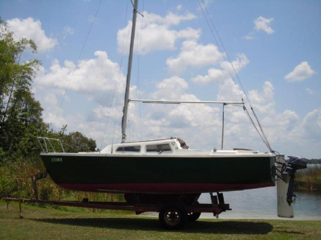 1980 - Catalina Sailboats - 22 Retractable Keel in Orlando, FL