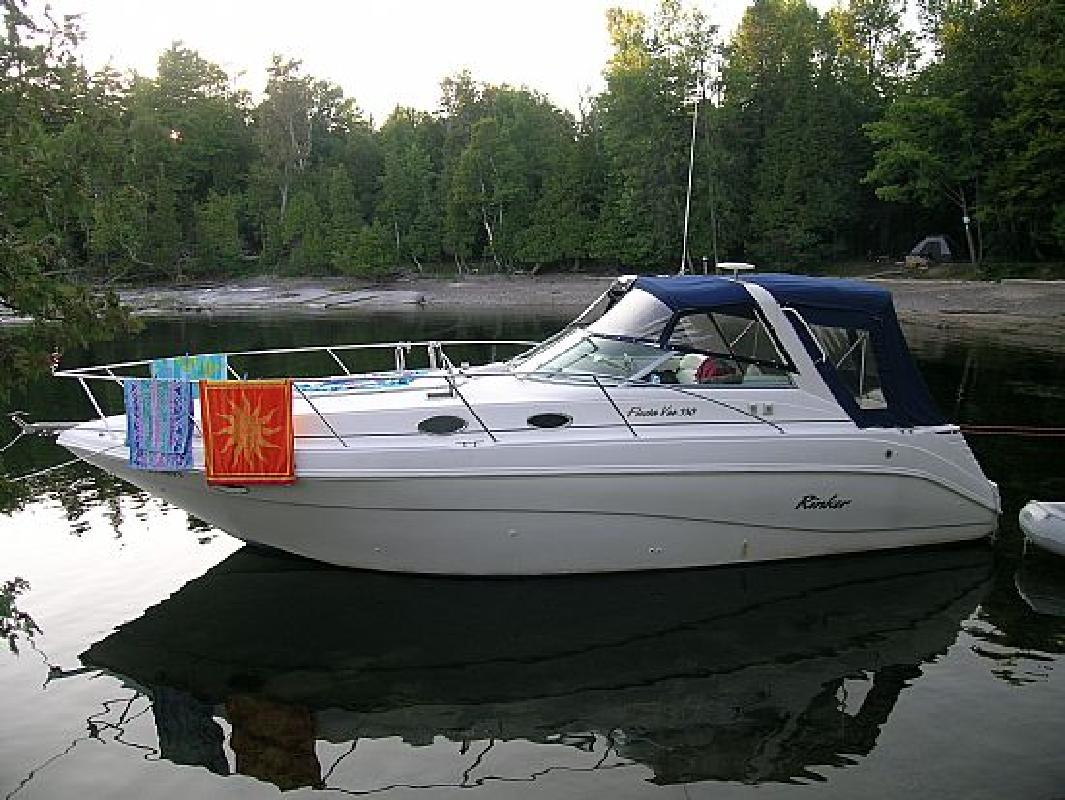 1998 33' Rinker 330 in Colchester, Vermont