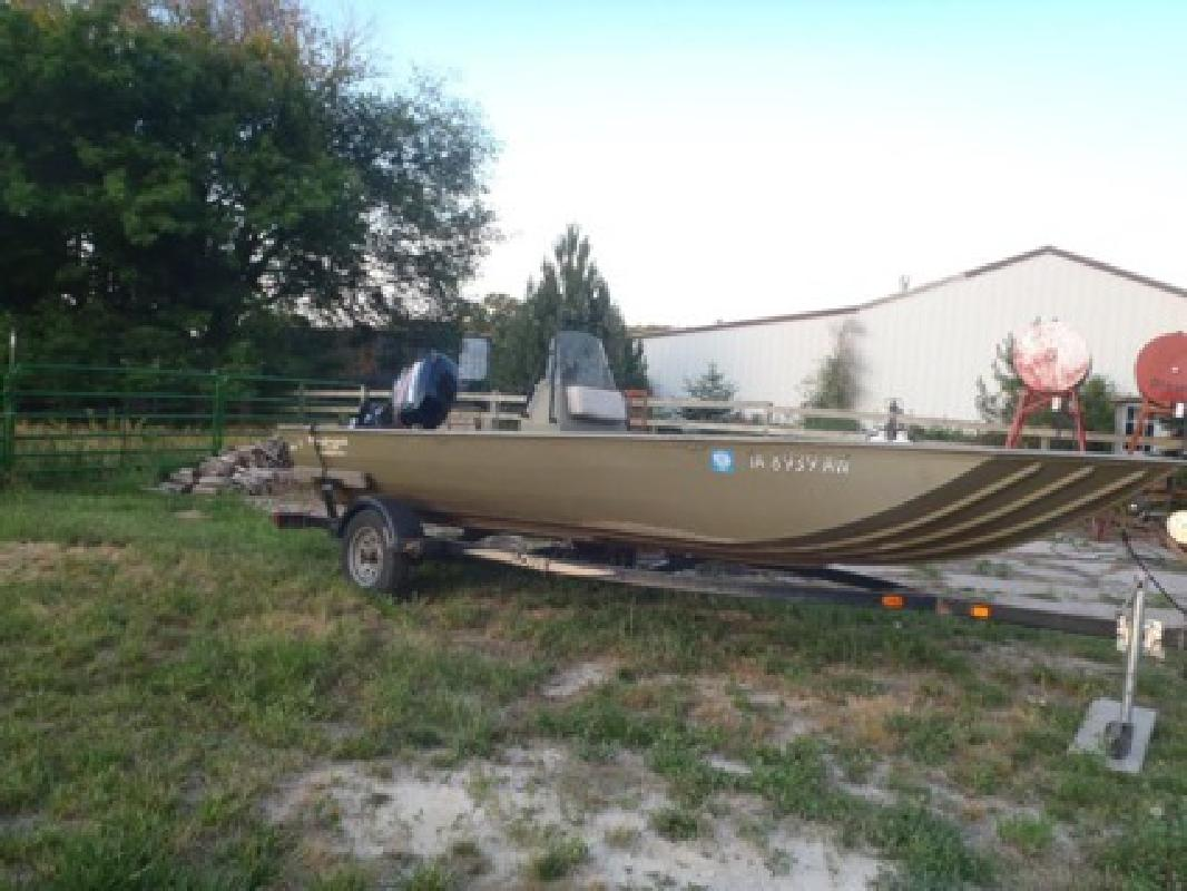 9 000 obo 2005 lowe roughneck boat for sale in burlington for Fishing boats for sale in iowa