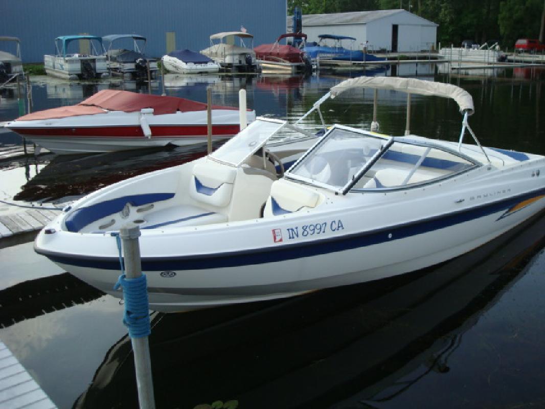 2004 22' Bayliner Runabout 225