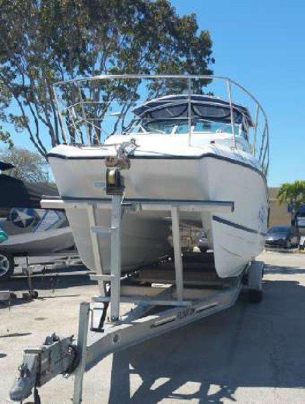 2000 GLACIER BAY 2670 ISLE RUNNER CUDDY CABIN Naples FL