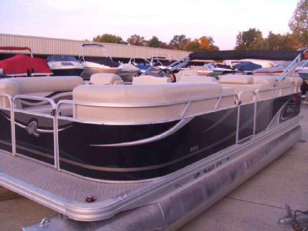 2012 QUEST 820 Russells Point OH