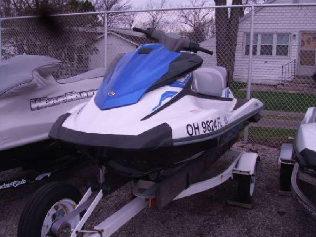 2015 YAMAHA VX Russells Point OH