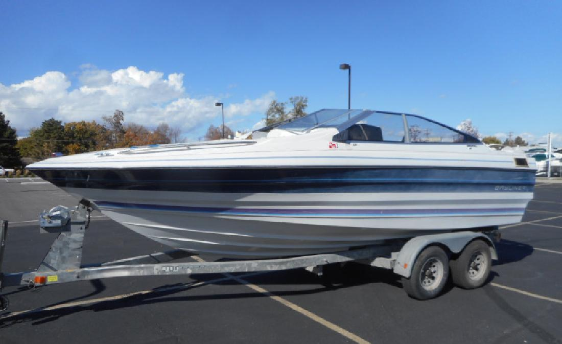 1987 21 Bayliner Capri 2150 Bowrider in 3600 S Main St. In Salt Lake City, UT