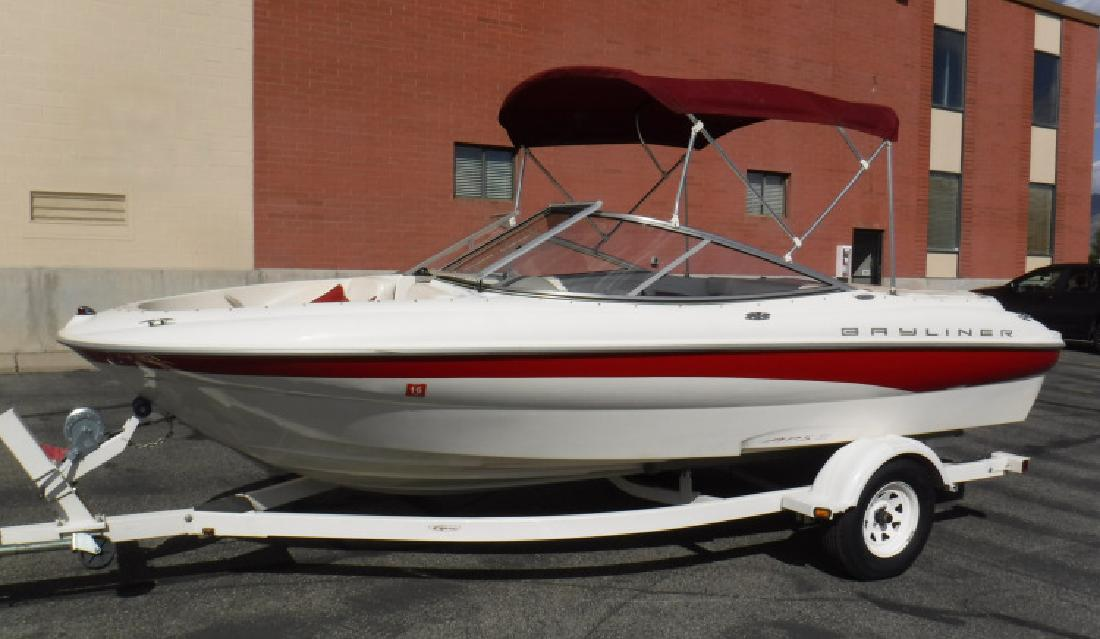 2001 19 Bayliner Capri 195 LX Bowrider in 3600 S Main St. In Salt Lake City, UT