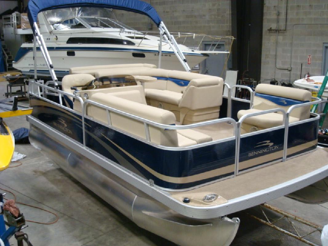 2011 17' Bennington Marine LLC S Series 17 SLi