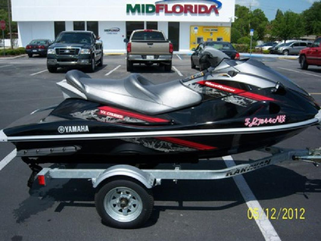 $6,800 2009 yamaha vx cruiser 45hr no salt water use . like new