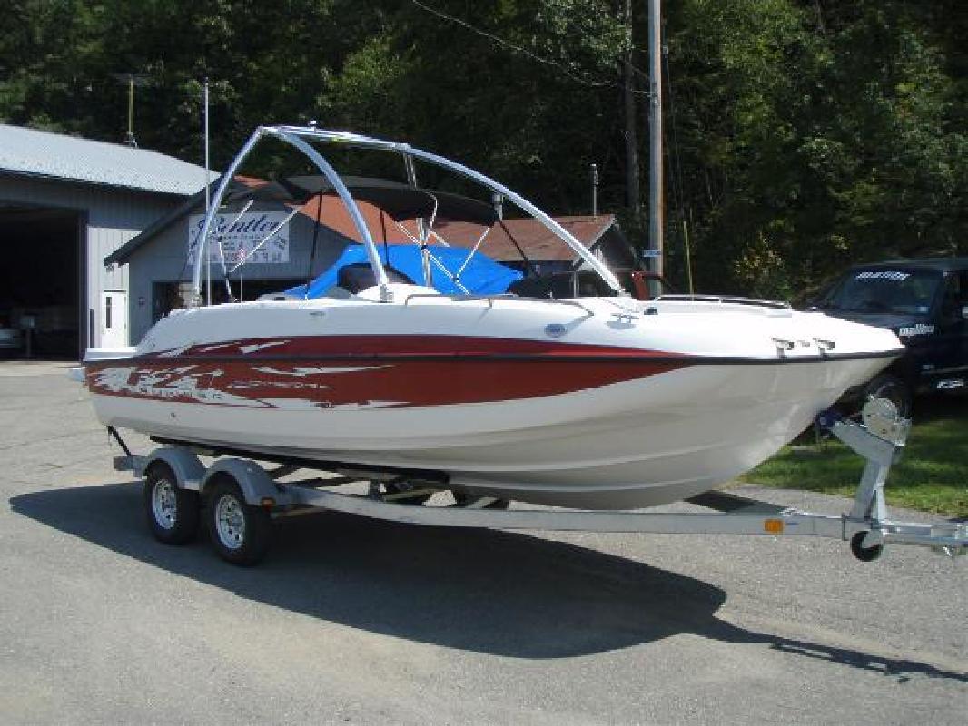 2012 20' Bayliner 217 Sd Deck Boat