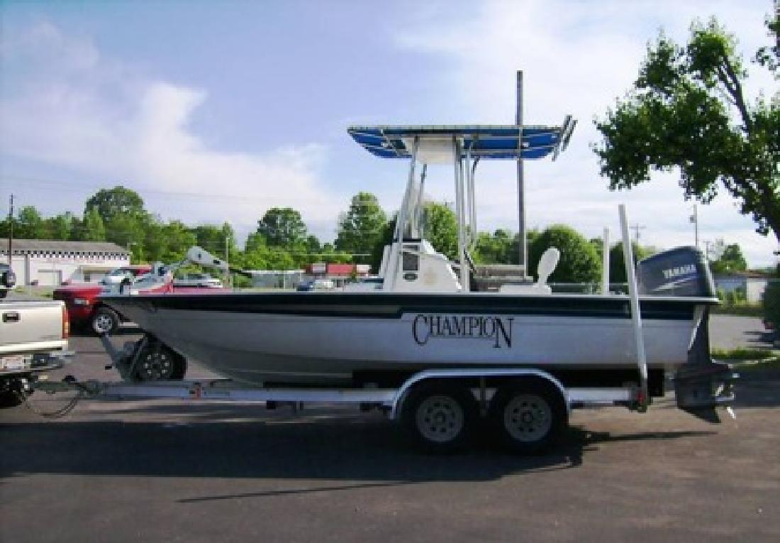 $4,900 2005 Champion 20 Sea Champ Boat
