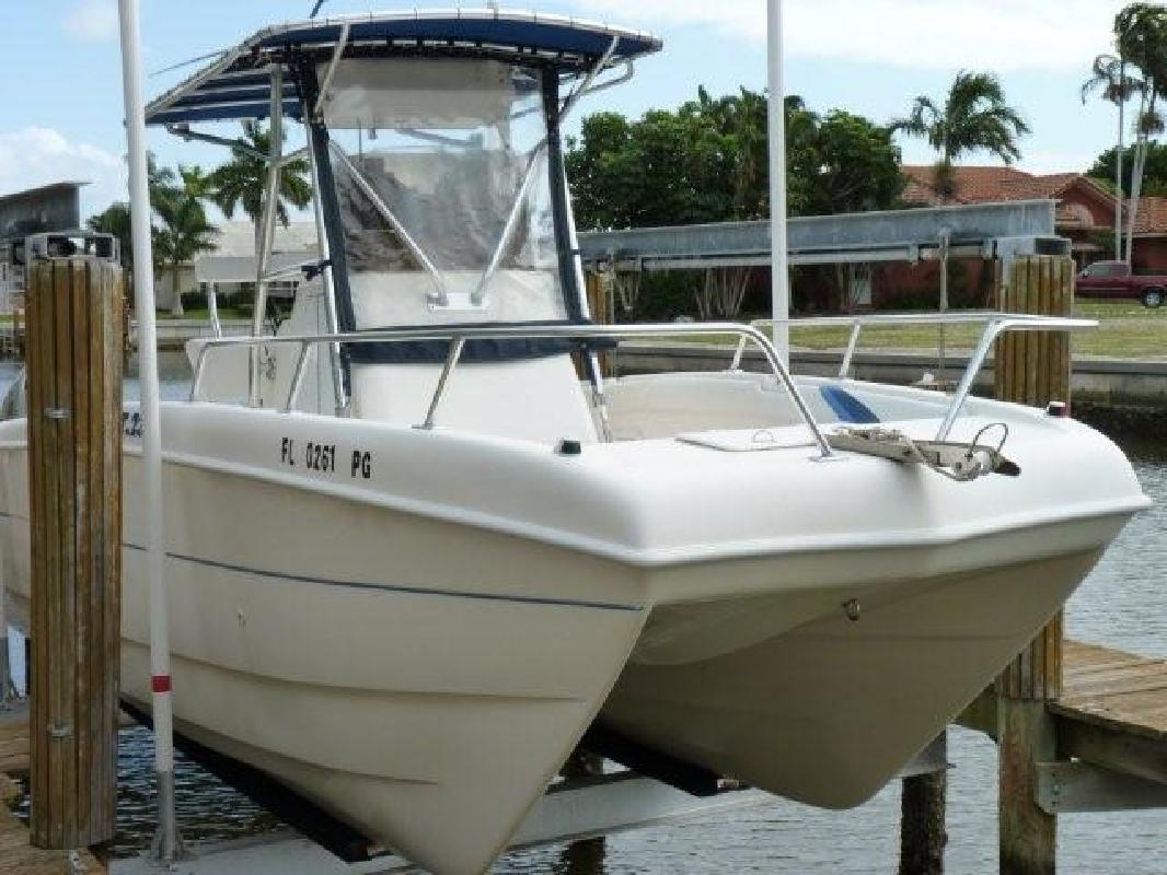 2001 23' Carolina Skiff Sea Chaser 230 Cat
