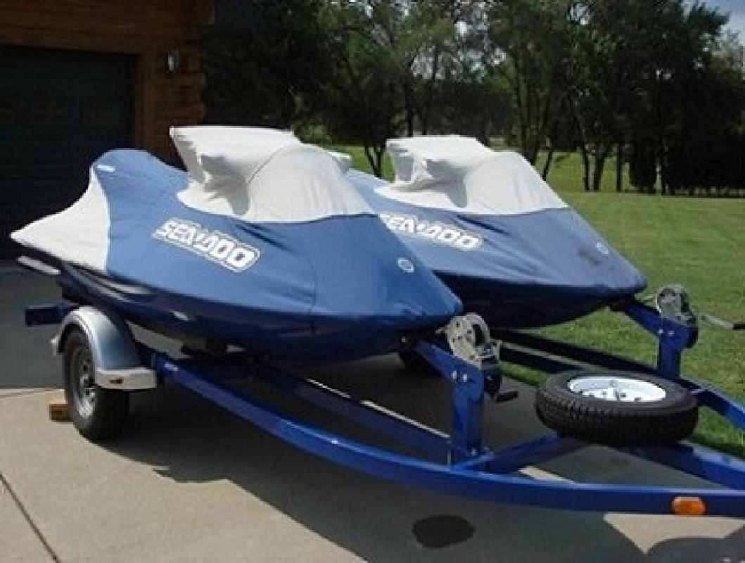 $2,700 Specific System Bombardier TWO 2001 Sea Doo GTX DI Jet!!!!!ations