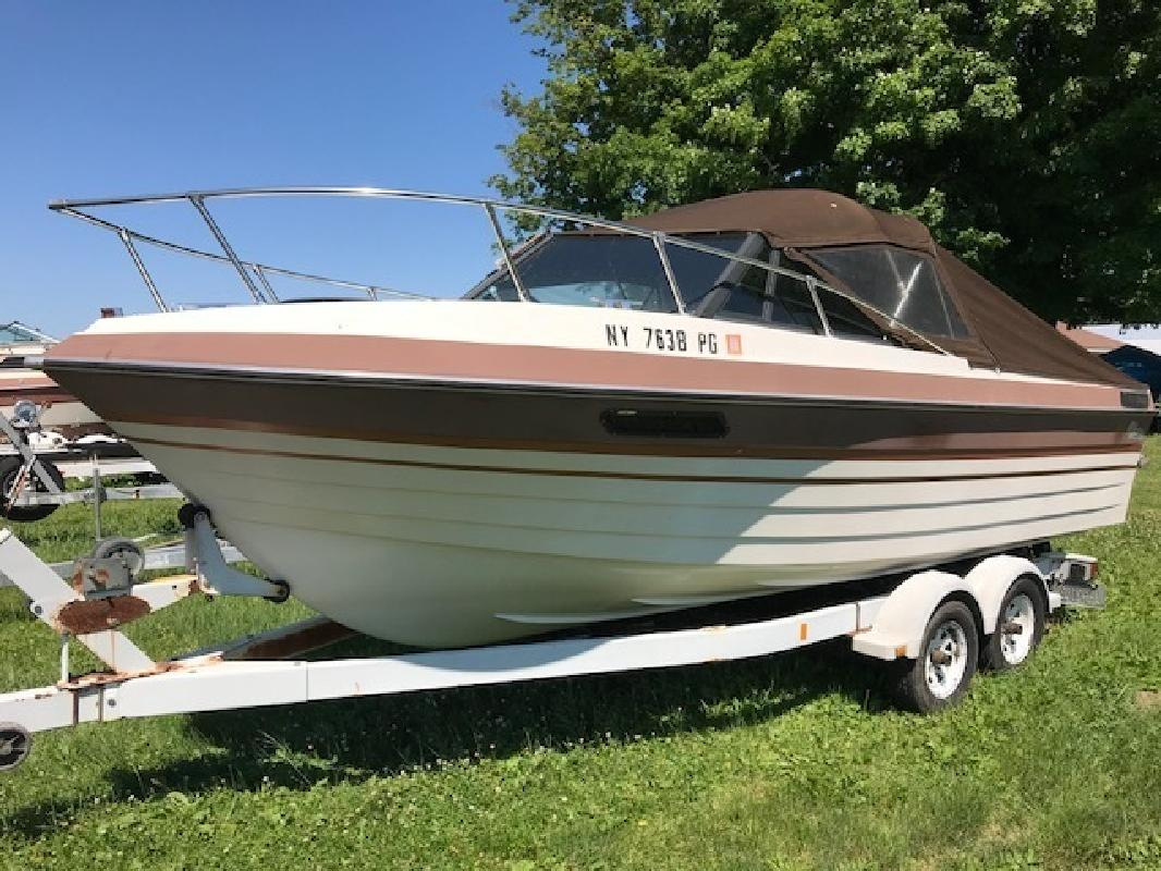 1983 - Thompson Boats - 196 Sea Rage Cuddy in