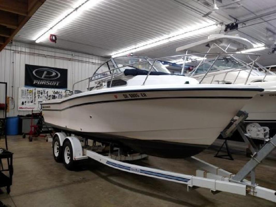 2000 Grady-White 226 Seafarer Huron OH
